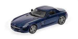 Mercedes SLS AMG 2010 blue